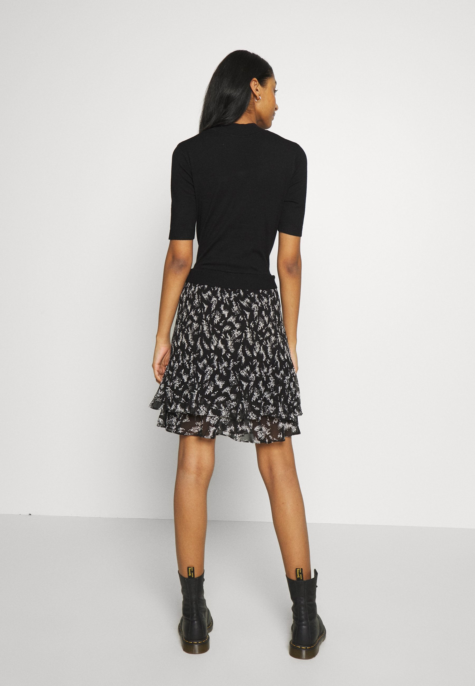 Oasis Merci Floral Dress - Robe Pull Black