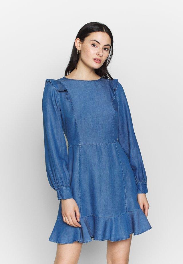 RUFFLE SKATER - Denimové šaty - blue