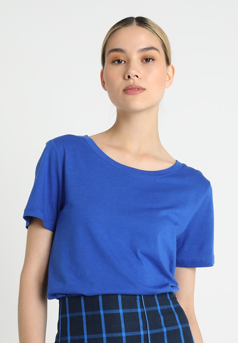 Oasis - SOFT PERFECT TEE  - Jednoduché triko - rich blue