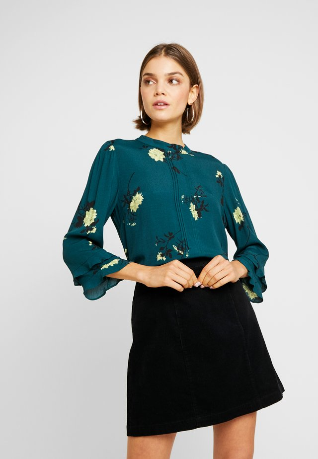 SPACED OUT FLORAL 3/4 SLEEVE - Blouse - multi green