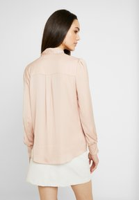 Oasis - BRITEX PUSSYBOW BLOUSE - Camicia - light neutral - 2
