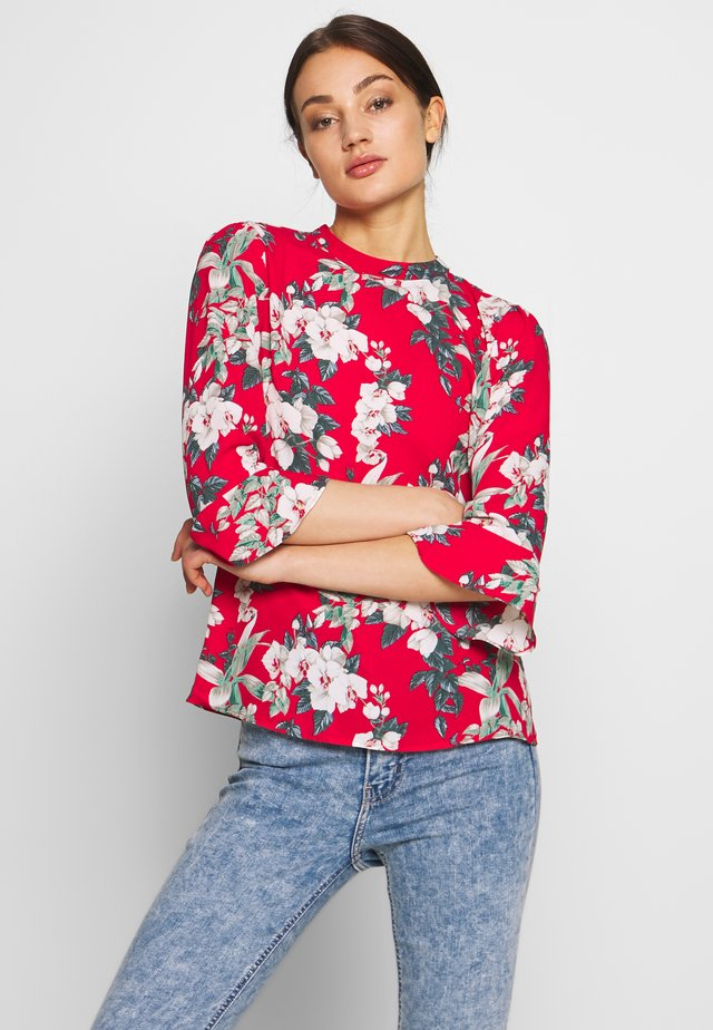 TILLY TROPICAL FLUTE SLEEVE TOP - Bluzka - red