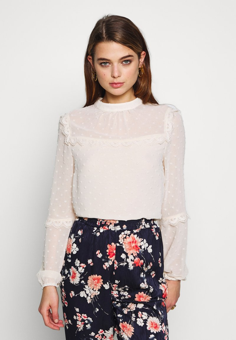 Oasis - DOBBY LACE TRIM SLEEVE TOP - Blouse - off-white