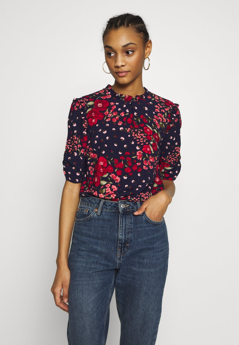 Oasis - FLORAL RUCHED SLEEVE TEE - Blouse - blue