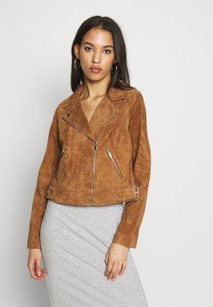 BIKER - Leather jacket - camel