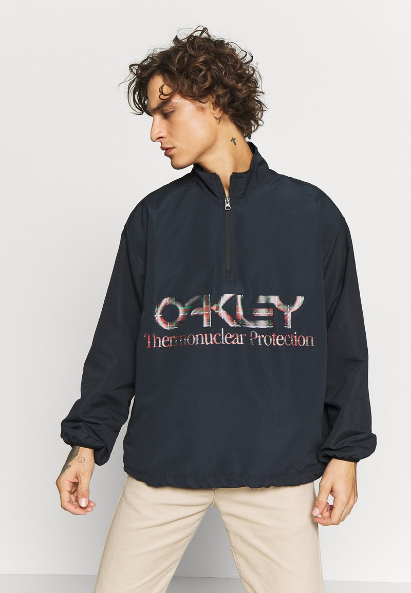 Oakley - THERMONUCLEAR ANORAK - Summer jacket - blackout