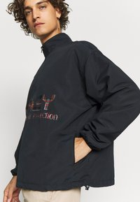 Oakley - THERMONUCLEAR ANORAK - Summer jacket - blackout - 4