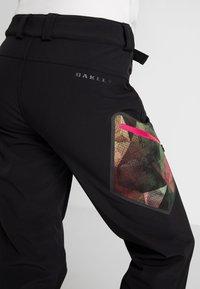 Oakley - HOURGLASS SOFTSHELL PANT - Ski- & snowboardbukser - blackout - 5