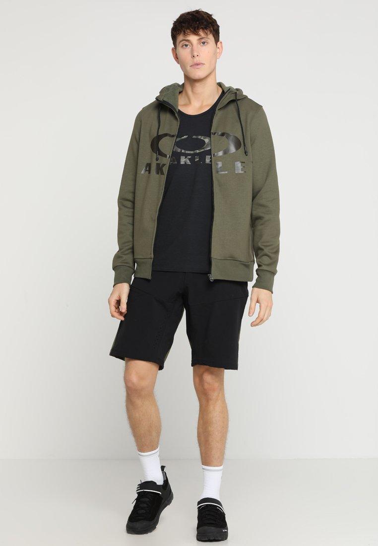 Oakley BARK TANK - Treningsskjorter - blackout