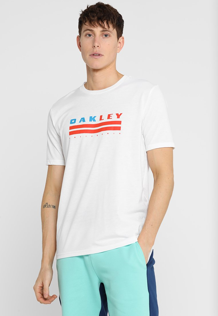 Oakley - CALIFORNIA TEE - Print T-shirt - white