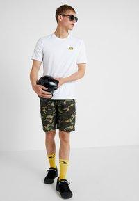 Oakley - BROKEN TEE - T-shirt de sport - white - 1