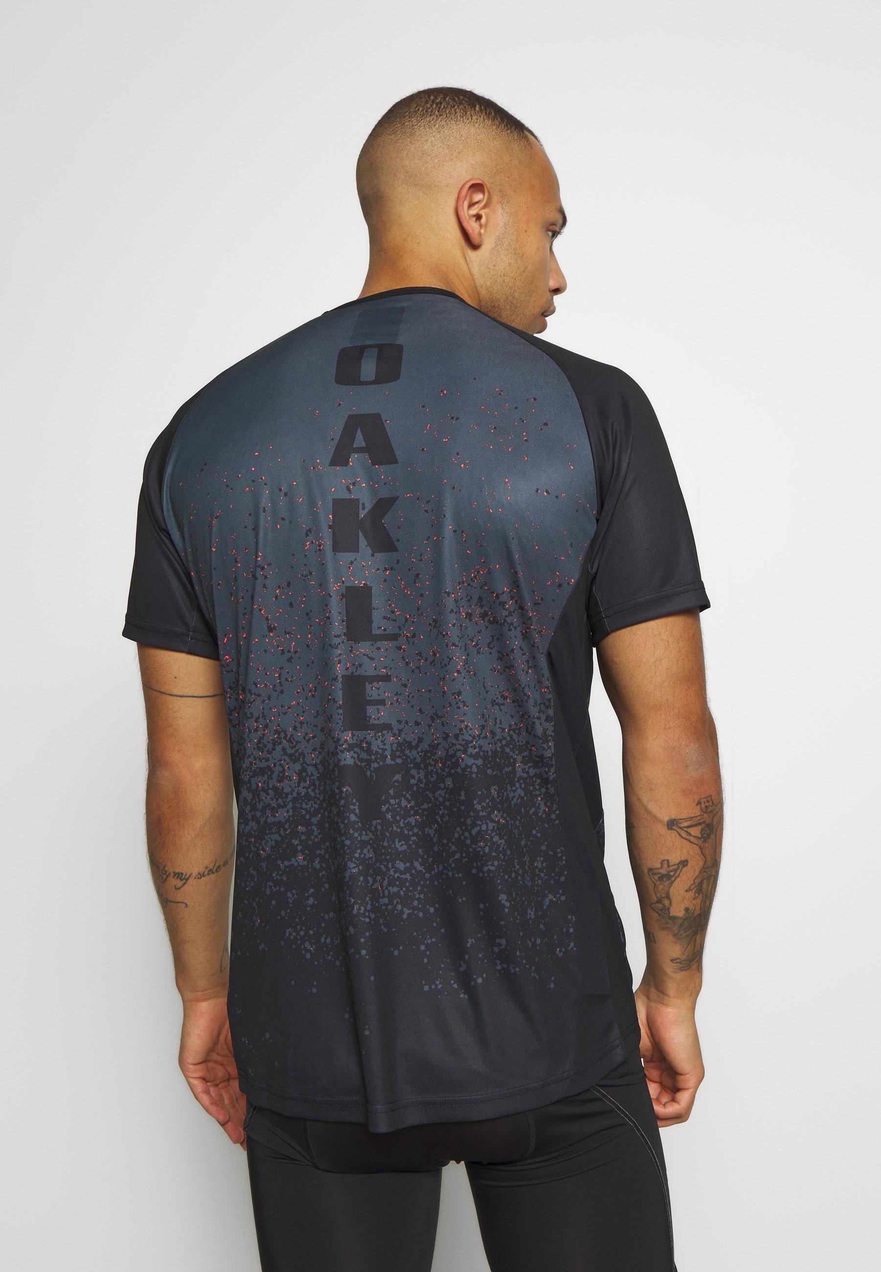 Oakley TECH TEE - Print T-shirt - grey