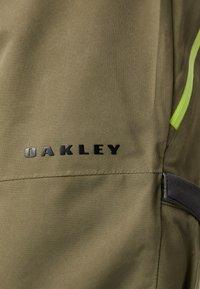 Oakley - REGULATOR INSULA PANT - Schneehose - dark brush - 6