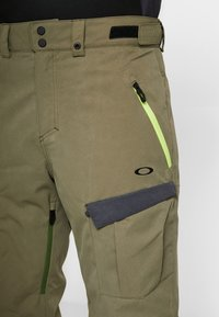 Oakley - REGULATOR INSULA PANT - Snow pants - dark brush