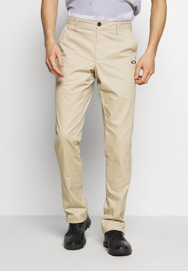 ICON GOLF PANT - Trousers - safari
