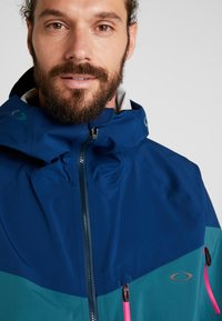 Oakley - TIMBER SHELL JACKET - Laskettelutakki - poseidon - 5