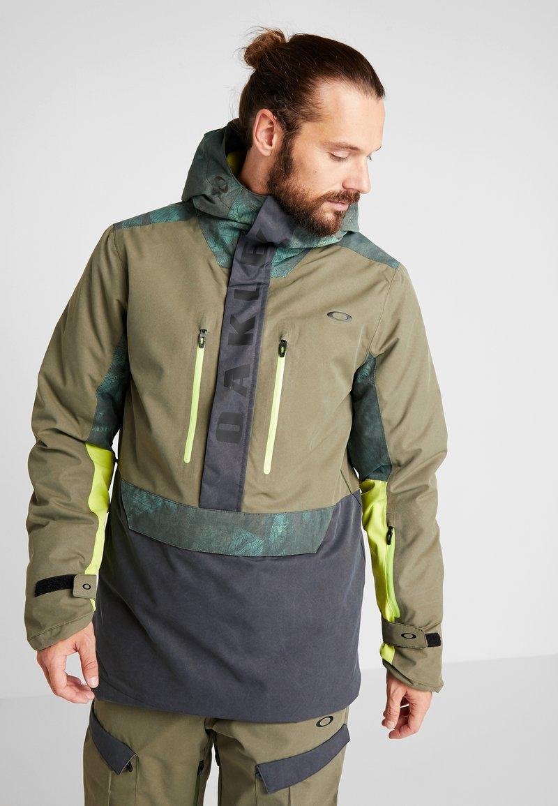 Oakley - REGULATOR INSULA - Snowboardjacka - dark brush