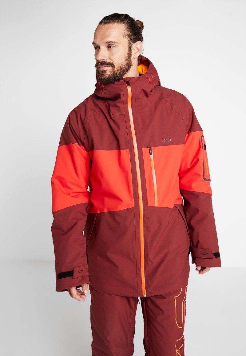 Oakley - CEDAR RIDGE 10K - Chaqueta de snowboard - oxblood red