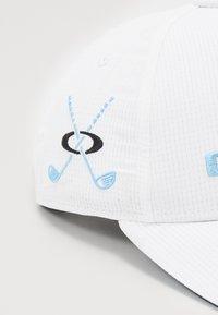Oakley - GOLF HAT - Caps - white - 2