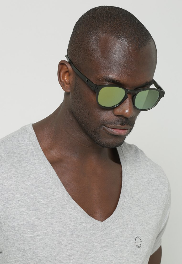 Oakley - LATCH - Sunglasses - matte olive ink/emerald iridium