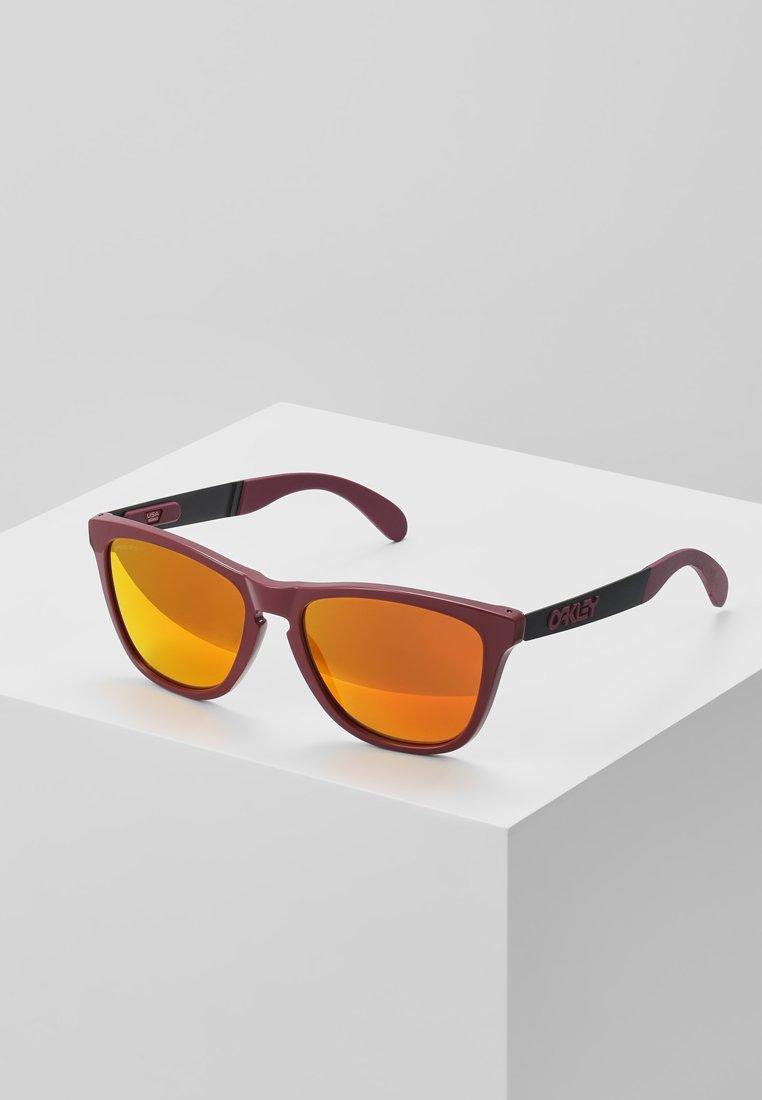 Oakley - FROGSKINS MIX - Sunglasses - ruby