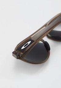 Oakley - FORAGER - Solbriller - brown - 4