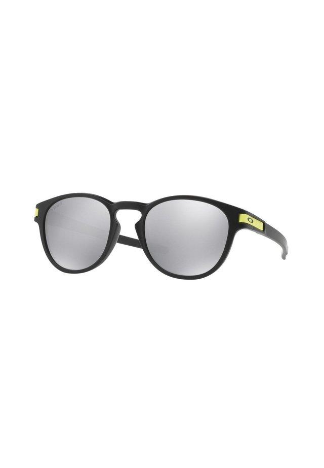 Sunglasses - matte black/chrome iridium