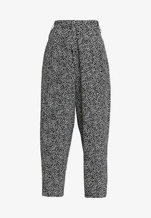 ALMA CROPPED PANT - Pantalones - black/white