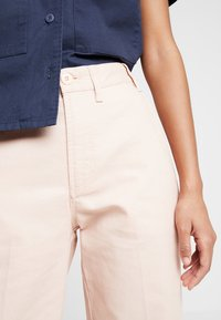 Obey Clothing - NOA PANT - Bukse - nude - 5