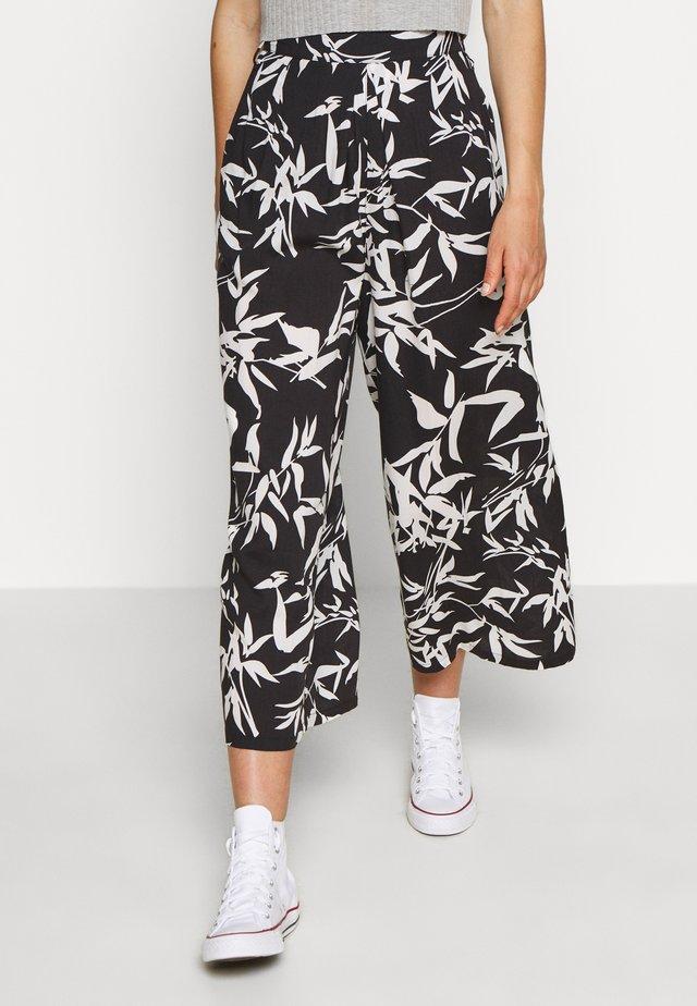 KAIA CROPPED PANT - Bukser - black/multi