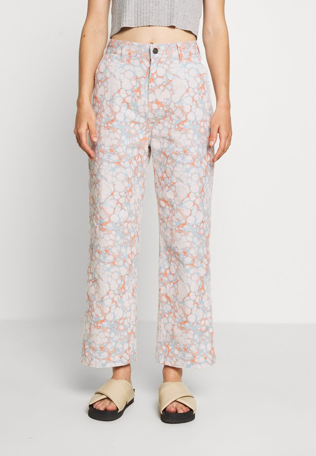 CRUSH PANT - Jeans Relaxed Fit - blush/multi