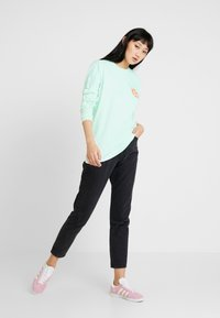 Obey Clothing - TIMES UP - Camiseta de manga larga - dusty pacific blue - 1