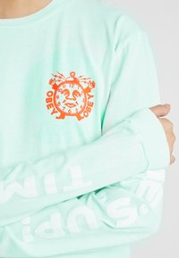 Obey Clothing - TIMES UP - Camiseta de manga larga - dusty pacific blue - 5