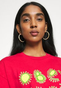 Obey Clothing - COME TOGETHER - T-shirts med print - tomato - 3