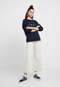 Obey Clothing - NOVEL - Mikina - deep navy/rainbow - 1