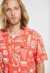 Obey Clothing - FLASH - Camisa - ember multi