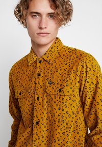 Obey Clothing - LOUNGER WOVEN - Shirt - gold multi - 4