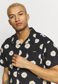 Obey Clothing - IDEALS ORGANIC DAISY - Camisa - black multi - 3