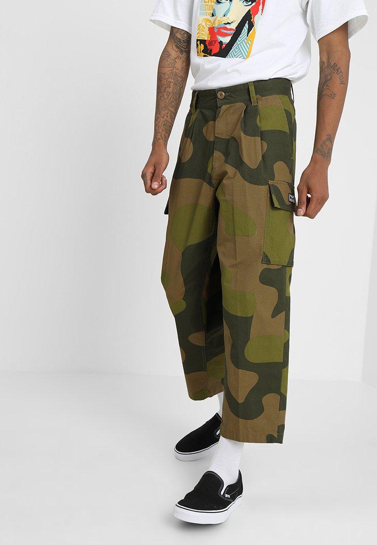 Obey Clothing - FUBAR BIG FITS CARGO - Pantaloni cargo - oversize camo