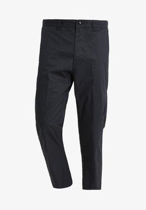 STRAGGLER LIGHT FLOODED PANT - Chino kalhoty - black