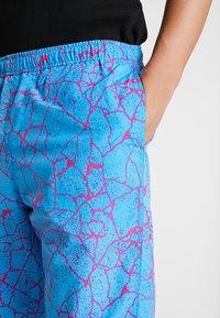 Obey Clothing - CONCRETE EASY PANT - Pantaloni sportivi - cracked sky blue - 3