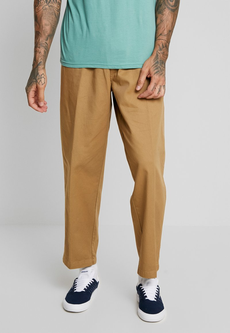 Obey Clothing - EASY PANT - Tygbyxor - camel