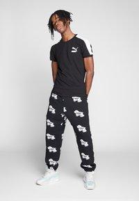 Obey Clothing - Pantaloni sportivi - black - 1