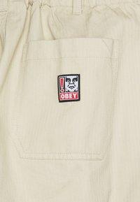 Obey Clothing - MARSHAL UTILITY PANT - Kalhoty - natural - 2