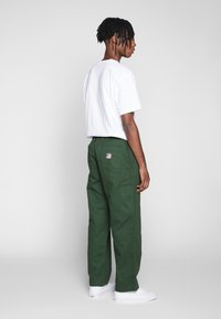 Obey Clothing - MARSHAL UTILITY PANT - Tygbyxor - park green - 2