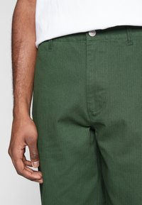 Obey Clothing - MARSHAL UTILITY PANT - Tygbyxor - park green - 3
