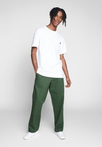 Obey Clothing - MARSHAL UTILITY PANT - Tygbyxor - park green - 1