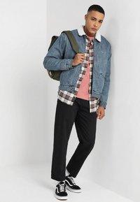 Obey Clothing - HARDWORK - Džíny Relaxed Fit - dusty black - 1