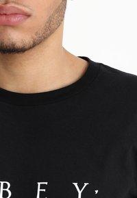 Obey Clothing - NOVEL  - Camiseta estampada - black - 4