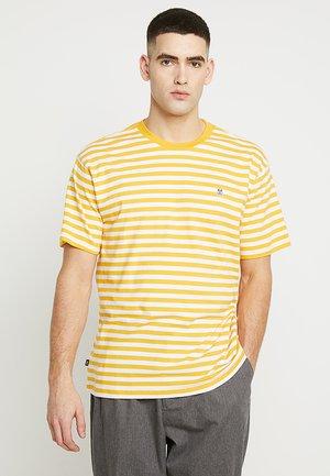ICON STRIPE BOX TEE - T-shirt con stampa - energy yellow